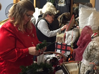 2016 Holiday Auction Baskets